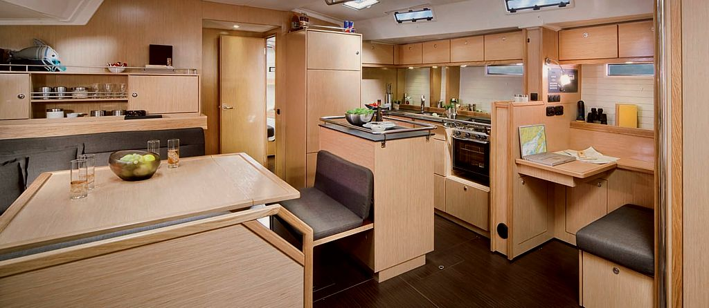 bavaria cruiser 55 innenraum segelboot charter in kroatien. Black Bedroom Furniture Sets. Home Design Ideas